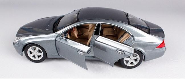 โมเดลรถ โมเดลรถเหล็ก โมเดลรถยนต์ Benz CLS Class silver 6