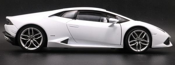 โมเดลรถ โมเดลรถเหล็ก โมเดลรถยนต์ Lamborghini Huracan white 3