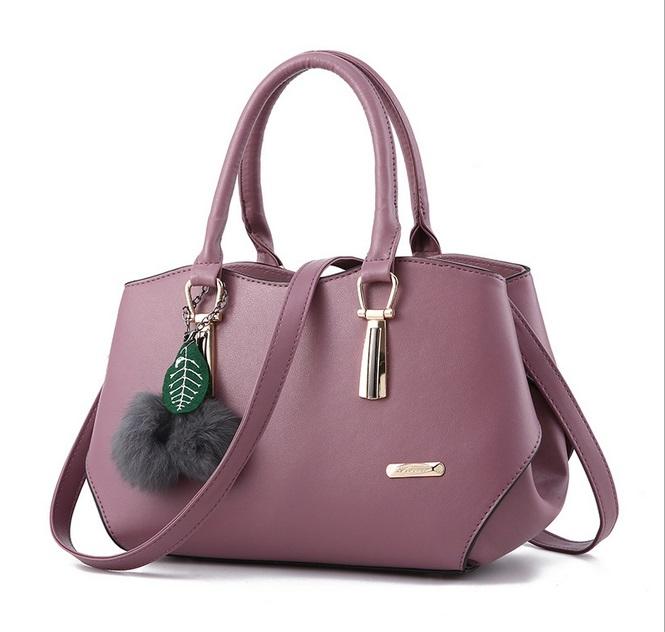 [ Pre-Order ] - กระเป๋าแฟชั่น ถือ/สะพาย สีม่วงเผือก ใบกลางๆ ทรงโค้งเก๋ๆ ดีไซน์สวยเรียบหรู ดูดี งานหนังน้ำหนักเบา ช่องใส่ของเยอะ