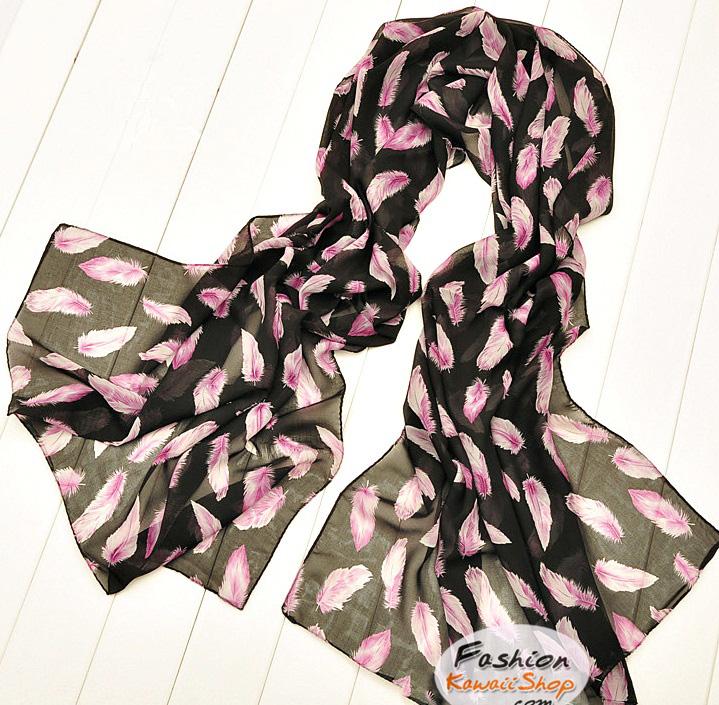 ผ้าพันคอลายขนนก Feather : สีชมพูอ่อนพื้นสีดำ CK0307