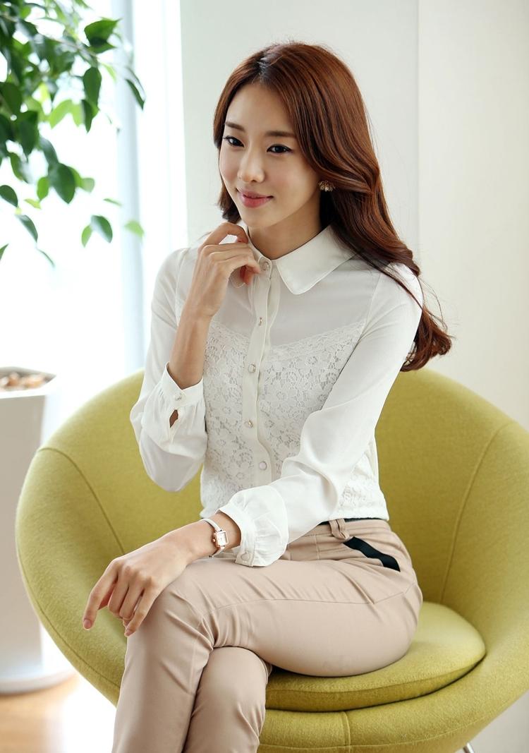 เสื้อเชิ๊ตลูกไม้แขนยาว สีขาว แฟชั่นสวยหรู