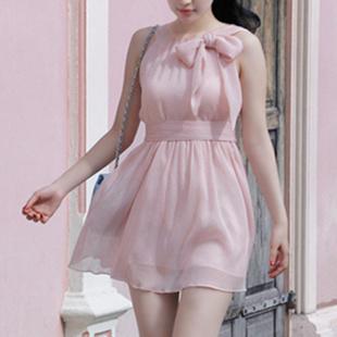 """size M""""พร้อมส่ง""""เสื้อผ้าแฟชั่นสไตล์เกาหลีราคาถูก Brand Chuvivi เดรสชีฟองสีชมพูสายเดี่ยว ผูกโบว์ที่อก ซิปหลัง มีซับในบางๆ มีผ้าผูกเอวให้ค่ะ sizeM"""