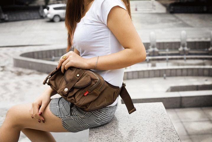 กระเป๋าคาดเอว พร้อมส่ง สีกาแฟ กระเป๋าคาด ผ้าแคนวาส มีช่องกระเป๋าด้านหน้า 2 ช่อง ออกแบบสวย