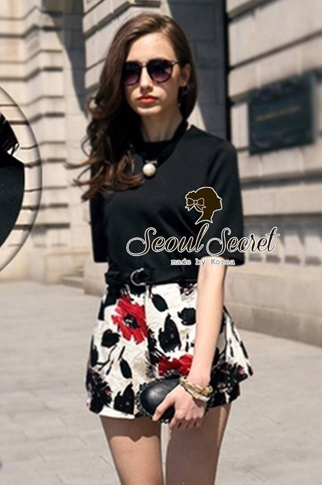 Set Sweet&Sour Black Bkouse match with Blossom Paint Skirt by Seoul Secret