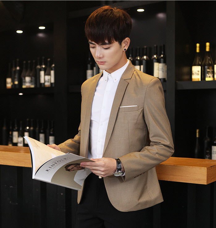 พร้อมส่ง เสื้อสูท ผู้ชาย สีน้ำตาล แขนยาว กระดุมหน้าหนึ่งเม็ด แต่งขอบกระเป๋าอกสีขาว เสื้อเข้ารูป ใส่ทำงาน
