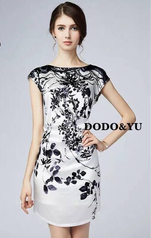 ชุดเดรสเกาหลี พร้อมส่งชุดเดรสแขนกุดผ้าไหมซาตินพิมพ์ลายดอก