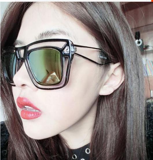 แว่นตากันแดดแฟชั่นเกาหลี กรอบแฟชั่นกันแดดสีดำ เลนส์ปรอทสีทอง