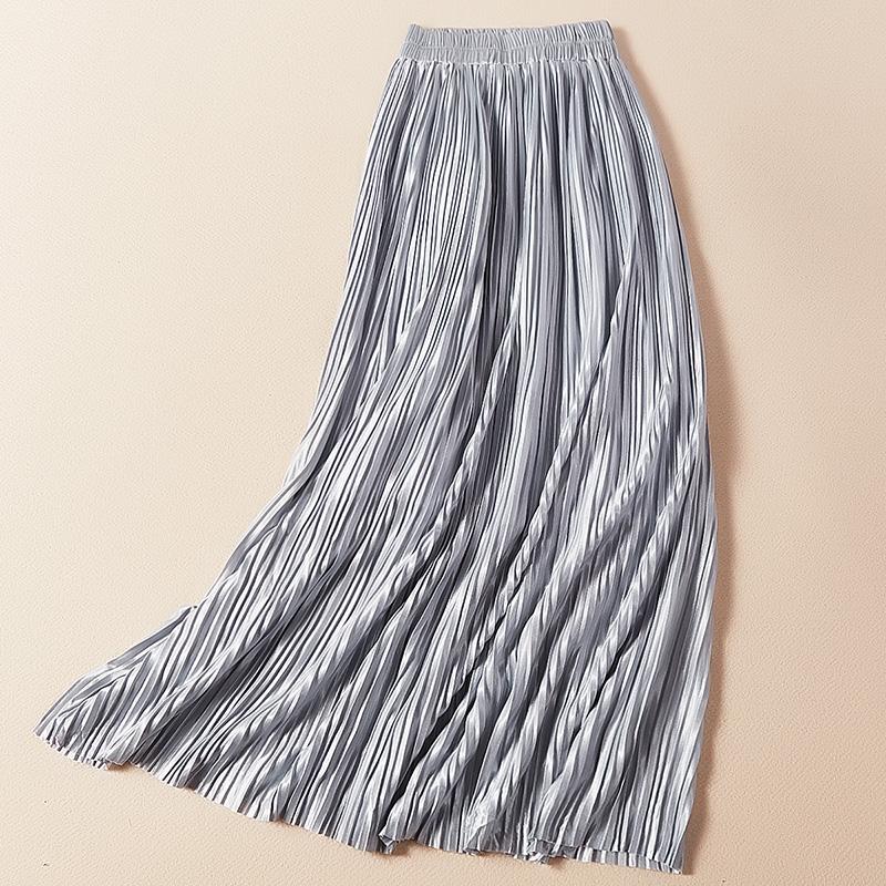 P08521 กระโปรงสี่ส่วน เอวยืด คลุมเข่า ผ้าเนื้อนิ่มอัดพลีทพร้อมซับใน สีเทา