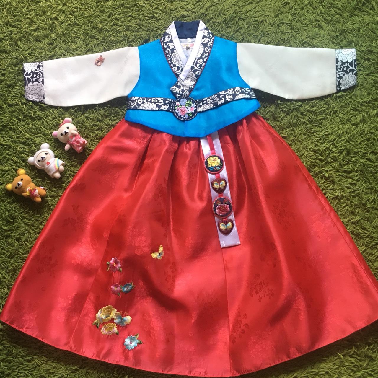 Hanbok Girl ฮันบกผ้าไหมอย่างดีสีฟ้าสดใส สำหรับเด็ก 3 ขวบ