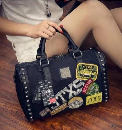 กระเป๋าแบรนด์ดังจากฮ่องกง JTXS Limited edition ราคา 1,590 บาท Free Ems