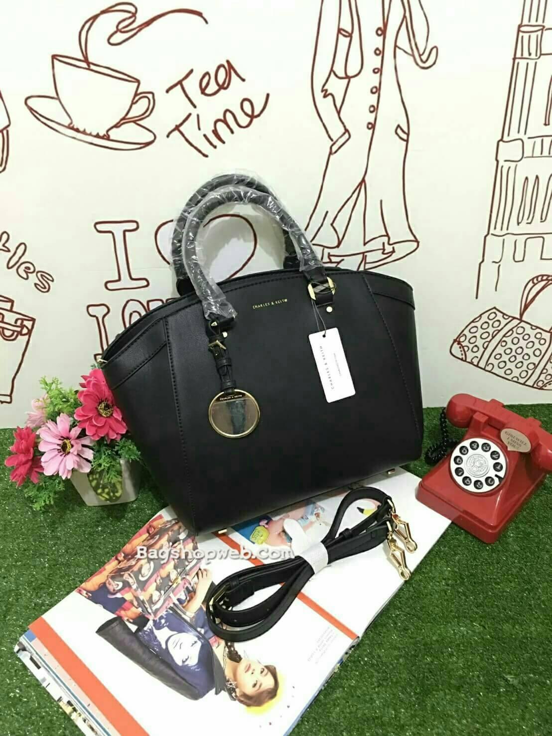 กระเป๋า CHARLES & KEITH LARGE CITY BAG 2016 (SIZE L) สีดำ ราคา 1,590 บาท ฟรี ems