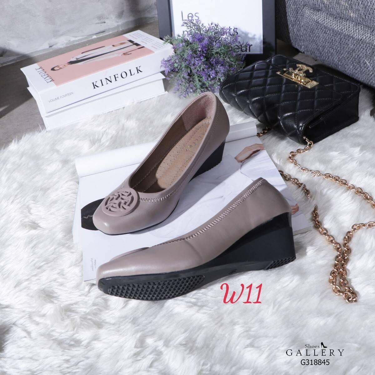 รองเท้าคัทชู ส้นเตารีด แต่งอะไหล่สไตล์แบรนด์สวยเรียบหรู หนังนิ่ม พื้นบุนิ่ม ทรงสวย สูงประมาณ 2 นิ้ว ใส่สบาย แมทสวยได้ทุกชุด (G318845)