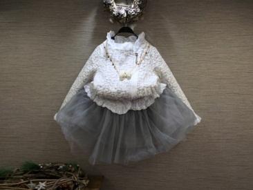 Pre-order เสื้อ / แพ็คละ 5 ชุด /สีขาว