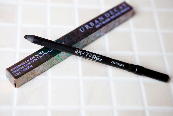 **พร้อมส่ง**Urban Decay 24/7 Glide-On Eye Pencil ดินสออายไลเนอ์เนื้อนุ่มเขียนง่าย ไม่ระคายเคือง เขียนได้ทั้งขอบตาบนและล่าง ไม่แพนด้า เป็นทีนิยมมากๆค่ะ แนะนำเลยค่ะ