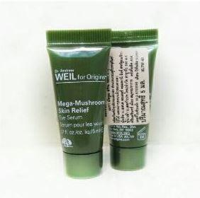 **พร้อมส่ง**Origins Dr.Andrew Weil For Origins Mega-Mushroom Skin Relief Eye Serum ขนาดทดลอง 5ml. เซรั่มดูแลผิวรอบดวงตา Mega-Mushroom Skin Relief Eye Serum เนื้อบางเบาสูตรพิเศษ ช่วยลดเลือนรอยหมองคล้ำและริ้วรอยแห่งความอ่อนล้ารอบดวงตา ,