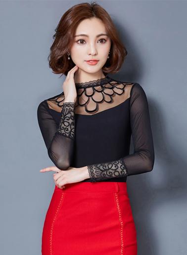 เสื้อแฟชั่นสีดำแขนยาว คอปีนแต่งผ้าลูกไม้ สวยหรูสไตล์เกาหลี