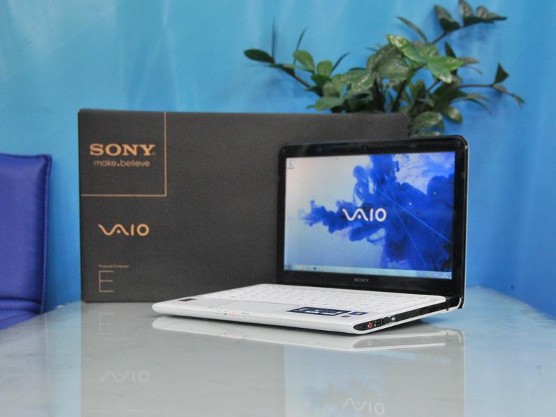 Sony Vaio SVE11115EHW AMD E2-1800 1.70 GHz.