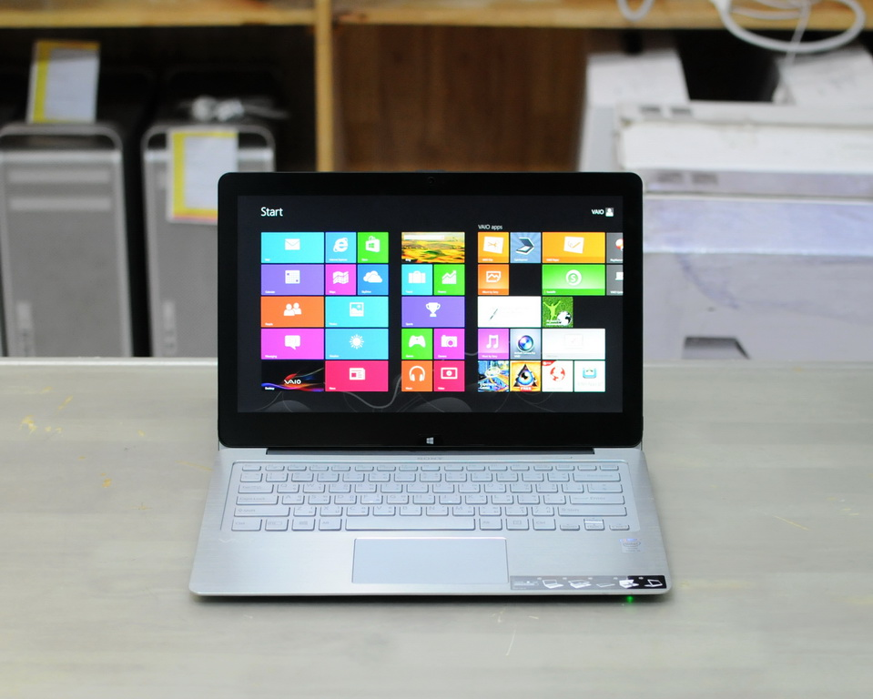Sony Vaio Fit Multi Core i5-4200U 1.6 GHz. RAM 4GB SSD 128GB Touch Screen 13.3 inch Full HD