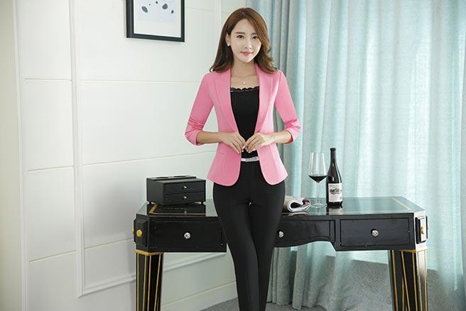 เสื้อสูทผู้หญิง เสื้อสูทแฟชั่น สีชมพู แขนยาว คอปก เรียบๆ ใส่ทำงานได้