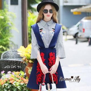 Lady Ribbon Online เสื้อผ้าออนไลน์ขายส่ง Normal Ally เสื้อผ้า,NA10220816 &#x1F389Normal Ally Present Embroidered skirt autumn new collection and striped shirt&#x1F389 (เสื้อเชิตริ้วปักการ์ตูน+ กป.ปักนูนลายกราฟฟิก, มีซับในอย่างดี)