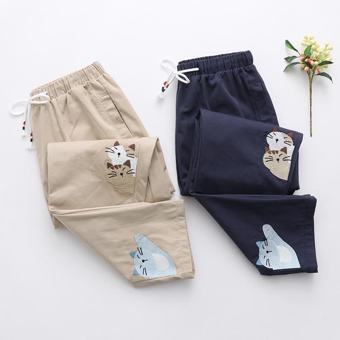 กางเกงขายาวเอวยืด ปักแต่งลาย (มีให้เลือก 2 สี)