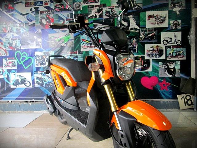 zoomer x 2013 สีส้ม รถสวยเครื่องดี สีสวยๆมาใหม่อีกคันครับ
