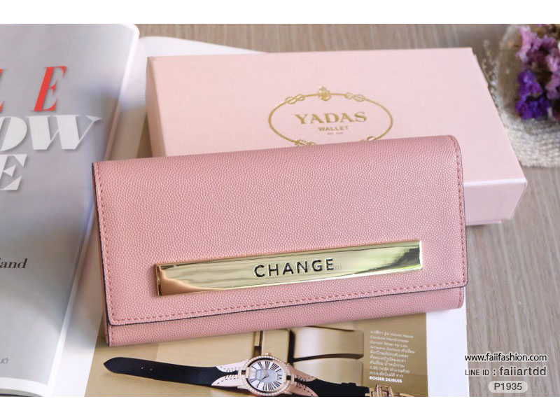 กระเป๋าสตางค์ ใบยาว หนังคาร์เวียร์เกรดพรีเมี่ยม แต่งอะไหล่CHANGE พร้อมกล่องสีชมพูมุกสวยหรู