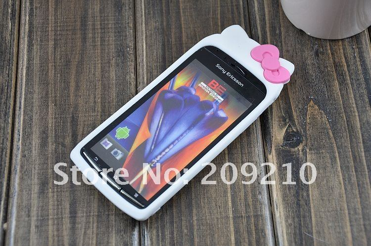 เคส Sony Ericsson Xperia Arc S : Hello Kitty Silicone Case