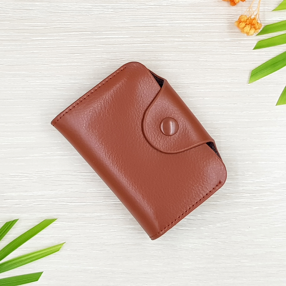 M Ven Card Button Brown