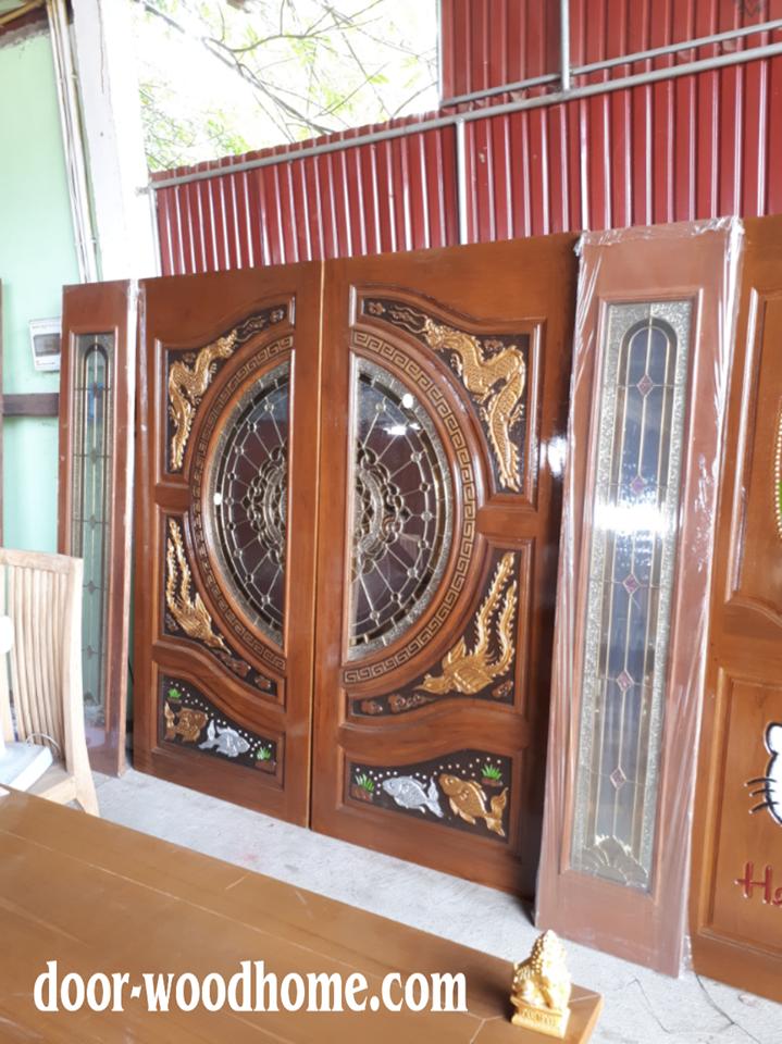 ประตูไม้สักกระจกนิรภัย แกะหงส์,มังกร,ปลาเงินปลาทองเกรดA รหัส NNA177