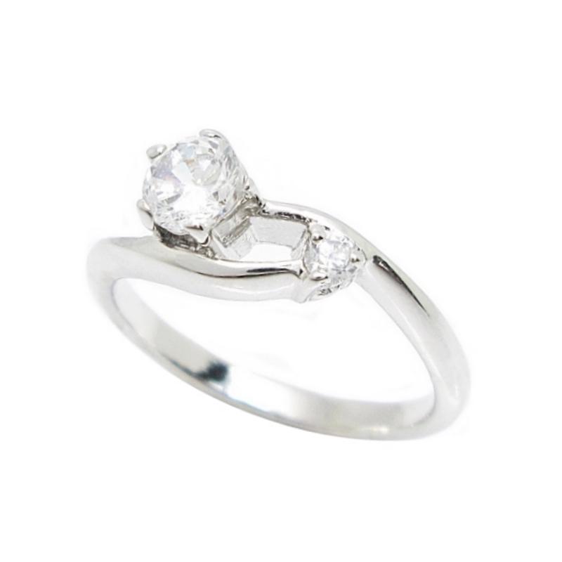 แหวนก้านไขว้ประดับเพชรชุบทองคำขาว