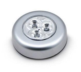 โคมไฟ LED ขนาดเล็ก ติดในตู้เสื้อผ้า ลิ้นชัก หรือที่ที่ต้องการแสงสว่าง กดเปิด-ปิดตรงกลาง ใช้งานสะดวก ใช้ถ่าน AAA 3 ก้อน ประหยัดไฟ