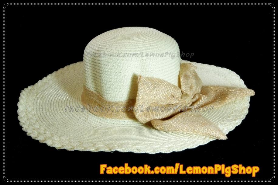 หมวกสาน คุณนายปีกรอบกว้างมาก สีขาวครีม โบว์โทนน้ำตาลทอง สวยหวานมากๆ