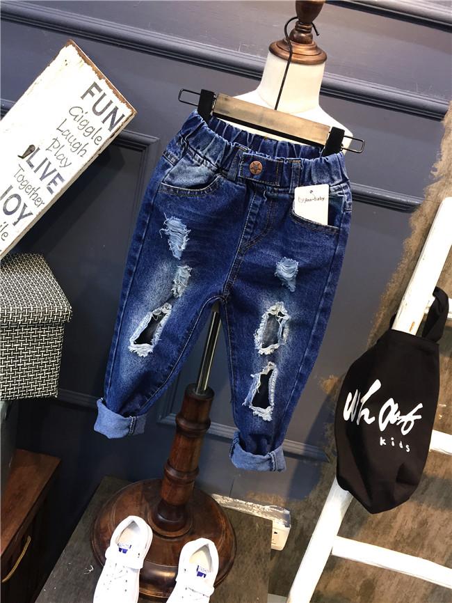 กางเกงยีนส์เด็กขาดๆ กางเกงยีนส์เด็ก