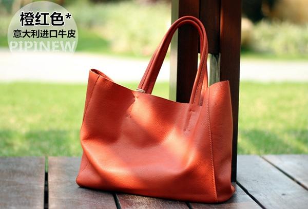 Pre-Order กระเป๋าสะพายผู้หญิง หนังแท้ หิ้วได้ สะพายได้ มีกระเป๋าชั้นในผ้าโพลีเอสเตอร์ถอดได้ สีแดง