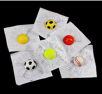 สติ๊กเกอร์ 3D ลูกฟุตบอลขาวปากระจกแตก
